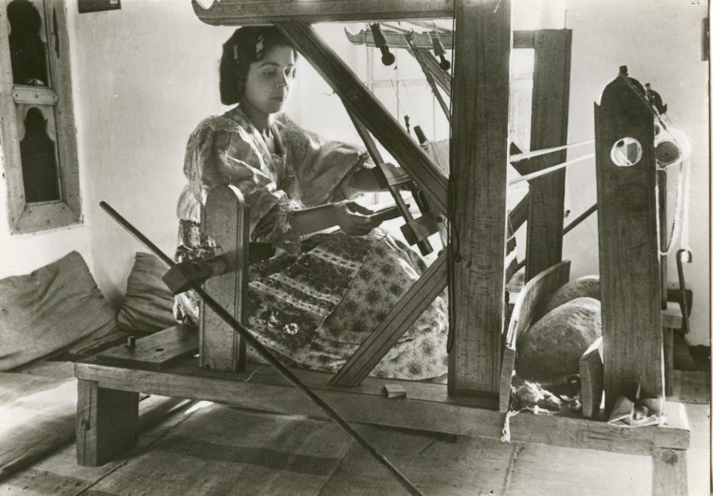 Prizren - donna al telaio