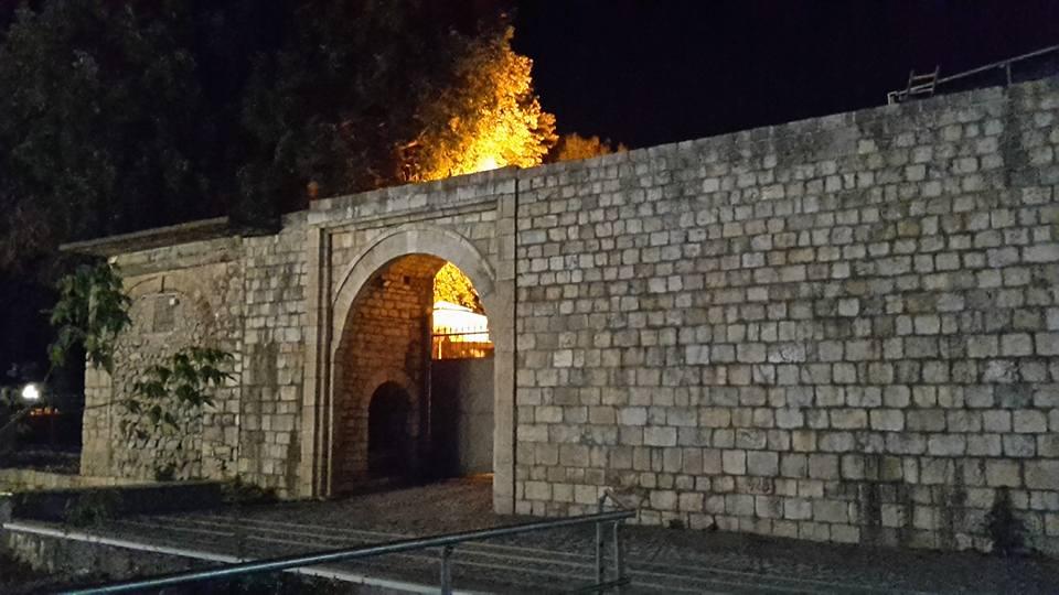 Castello Di Tirana Nella Pedonale Murat Toptani