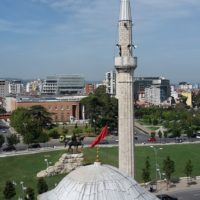 Vista della Piazza Scanderbeg dalla Moschea Et'hem Bey