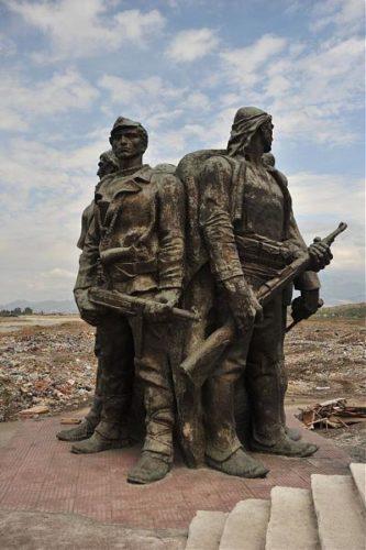 Monumento Dedicato Ai Cinque Eroi Di Vig