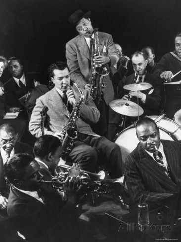 Lester Young )saxophone And Count Basie (a Destra), 1943