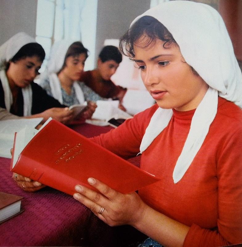 Donne albanesi nel comunismo, anno 1972 Donne rurali 4