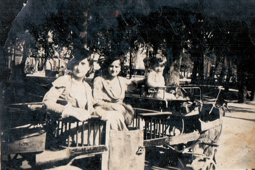 Napoli, 1936. La nonna di Adela Kolea