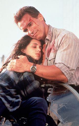 Eliza Dushku e Arnold Schwarzenegger in True Lies