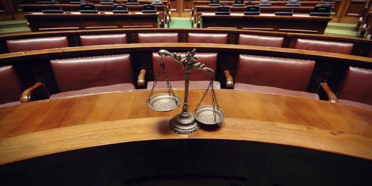 Assegno maternità, il comune discrimina ma il tribunale dà ...