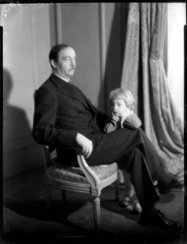 Il re Zog e il principe Leka I, 1940
