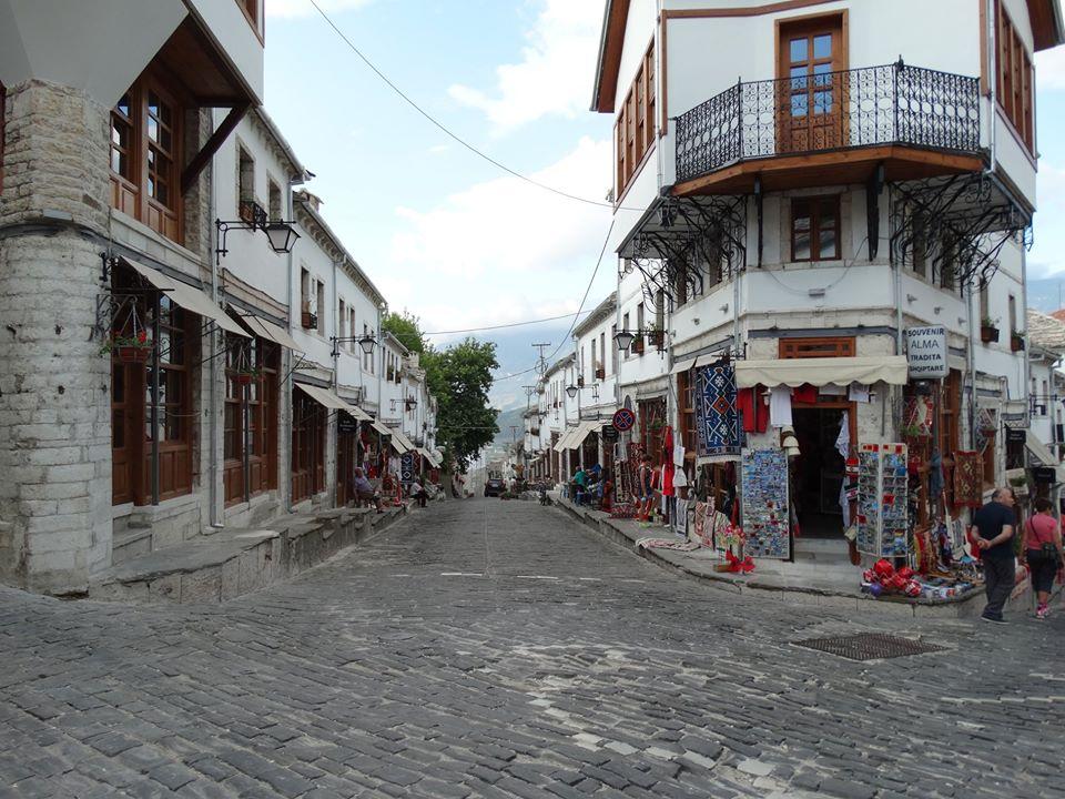 Gjirokaster (in Albanian Gjirokastër)