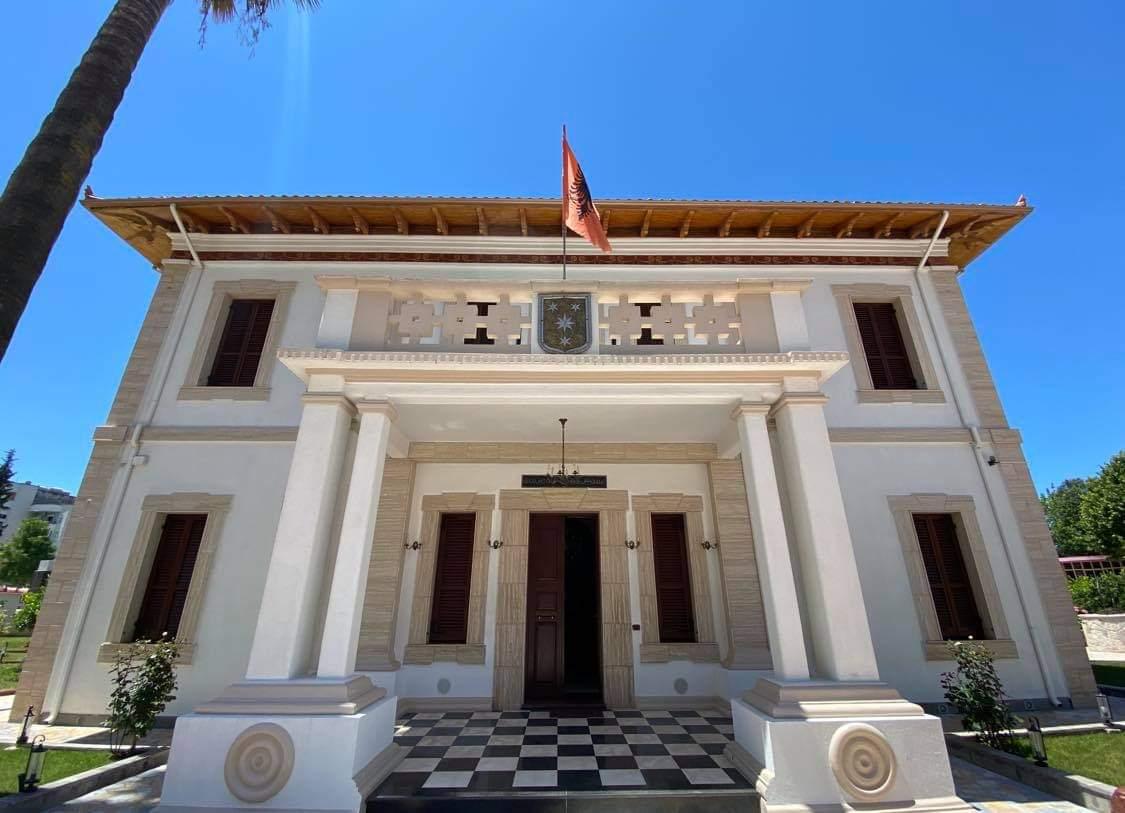 Shtëpia E Beut Vlora Casa Del Bey Valona