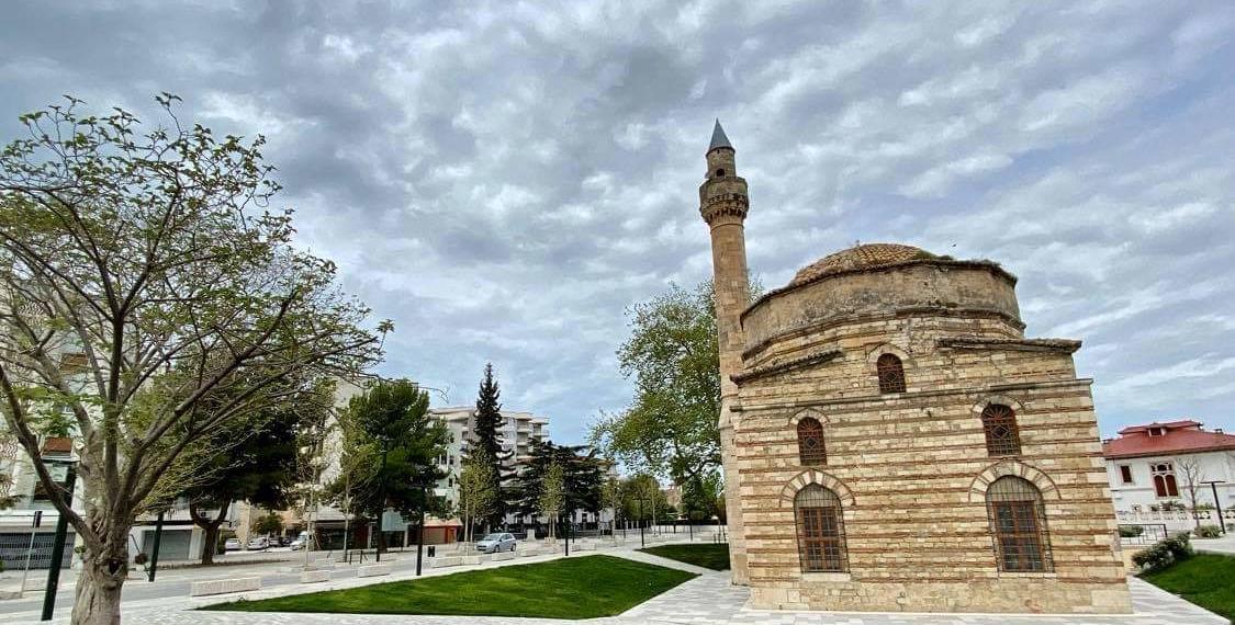Xhamia E Muradie Vlora Moschea Di Muradie Valona 2