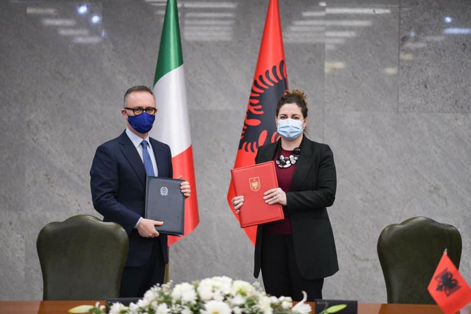 Accordo Firmato Patenti Guida Ambasciata Italia Tirana