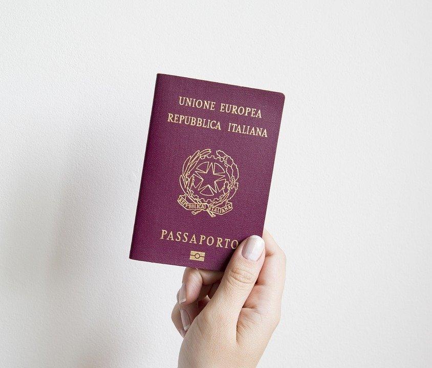 Pasaportë italiane