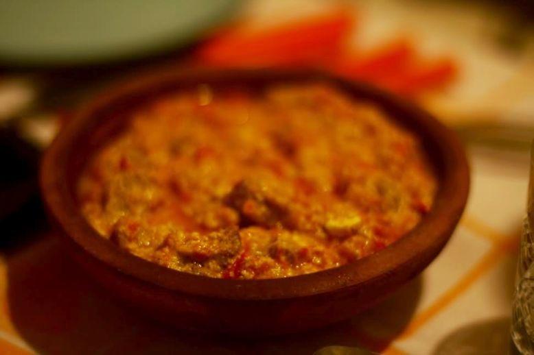 Un piatto tipico di Tirana, Fërgesë me mëlçi – Fegato con ricotta